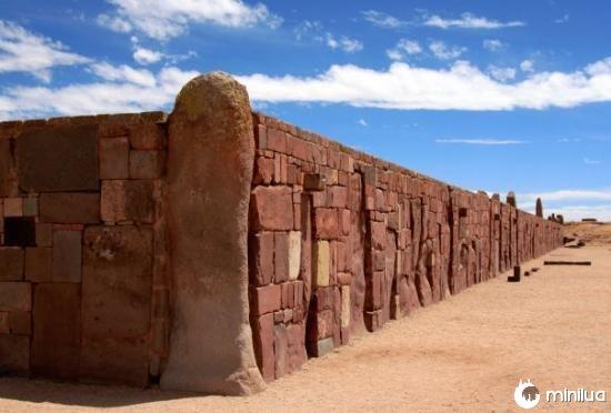 tiwanaku-bolivia-i-resti