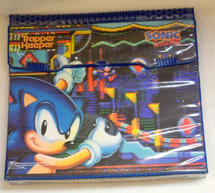 Trapper Keeper dos anos 90 com design Sonic