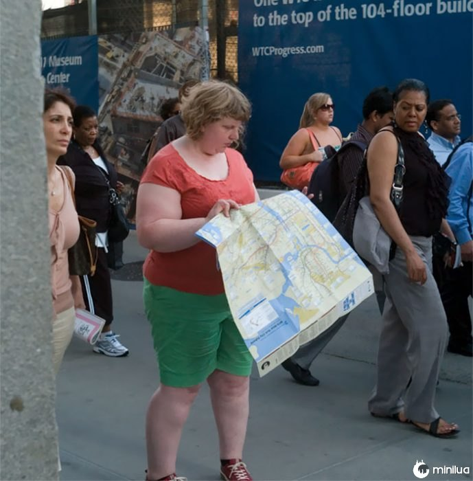 Mulher, olhar, mapa