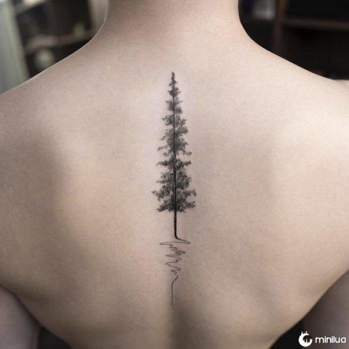 Design de tatuagem de espinha