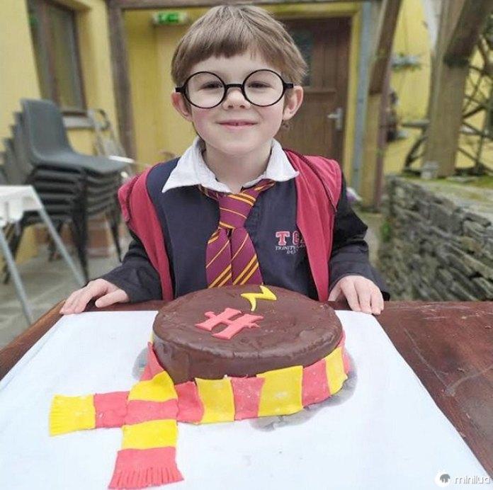 Menino devastado, 7 anos, escreve carta ao Coronavírus após 'festa de aniversário' ser cancelada