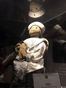 A terrível e assustadora boneca que dizem ser assombrada | Minilua