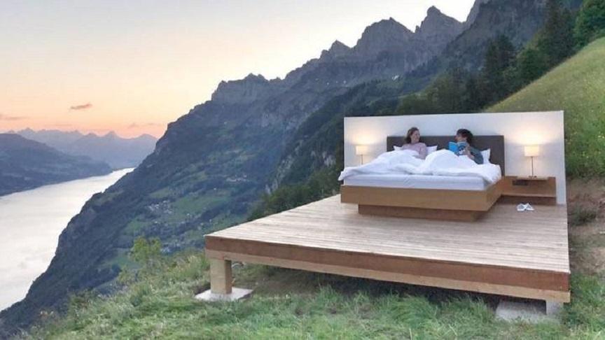 Quarto de hotel sem paredes permite que você durma nas montanhas suíças | Minilua