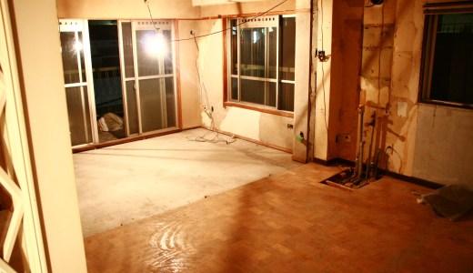 リフォーム前の部屋と、引越直後の写真。<br />沼畑直樹