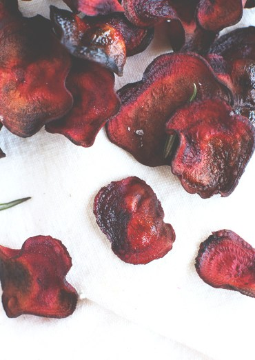Easy Baked Rosemary Beet Chips! Fast, healthy and SO simple. #vegan #glutenfree #minimalistbaker