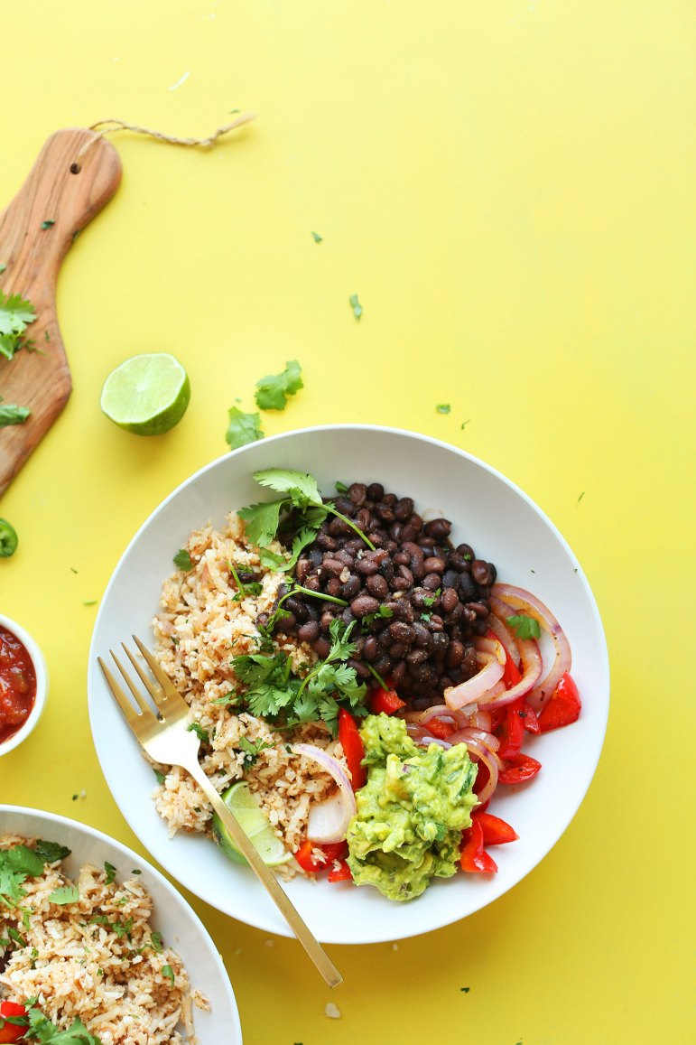 Cauliflower rice burrito bowl for easy and healthy meal prepping