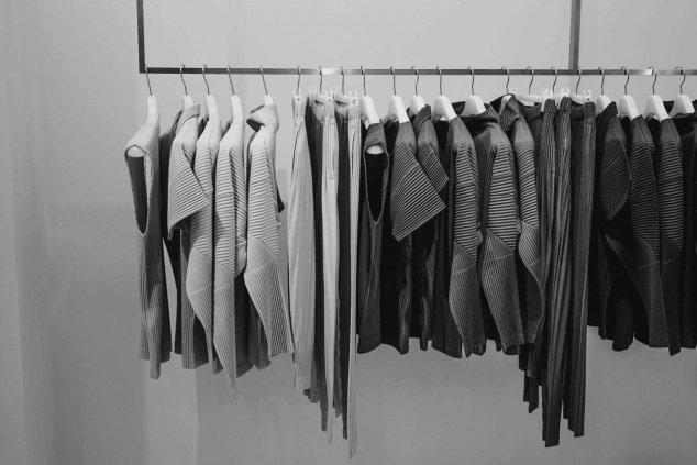 vestiti minimalisti