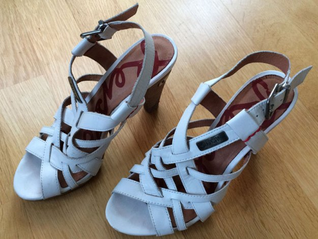 Festskor från Replay som varit en favorit hos Fru Minimalist. Som småbarnsmamma gäller numera mer jordnära skor på fötterna. :)