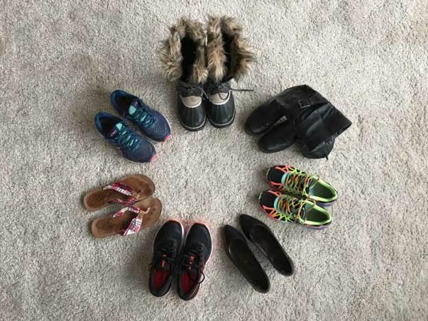 5d91e161fde De skor jag äger idag inkl träningsskor, med tillägg av ett ballerinaskor  som förvaras på jobbet.