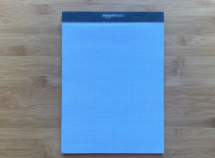 ミニマリストが使用する文房具の1つである方眼紙