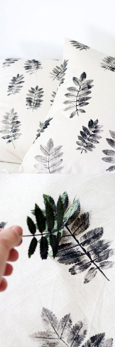 DIY Geschenke können richtig DELUXE sein. Auf minimalistmuss findet ihr eine ganze Sammlung dieser einzigartigen Selbstmachgeschenke. Hier DIY Blätter-Kissenbezug