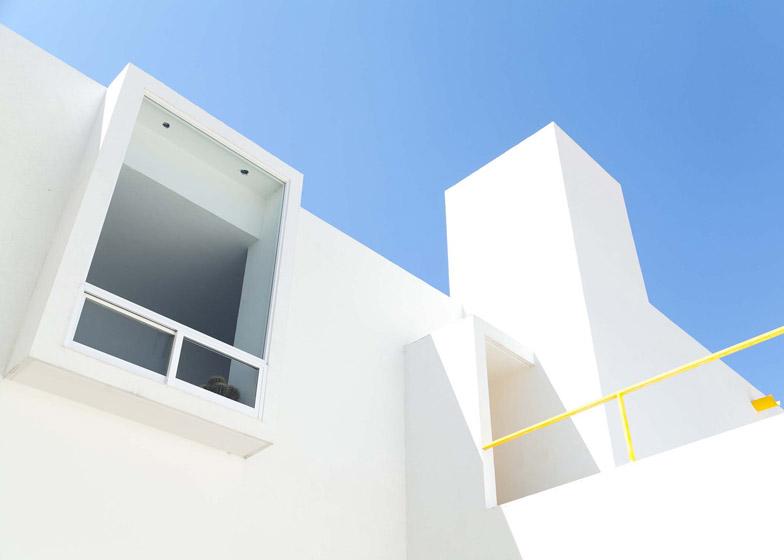 Pino-Street-House-by-Oscar-Gutierrez_dezeen_784_0