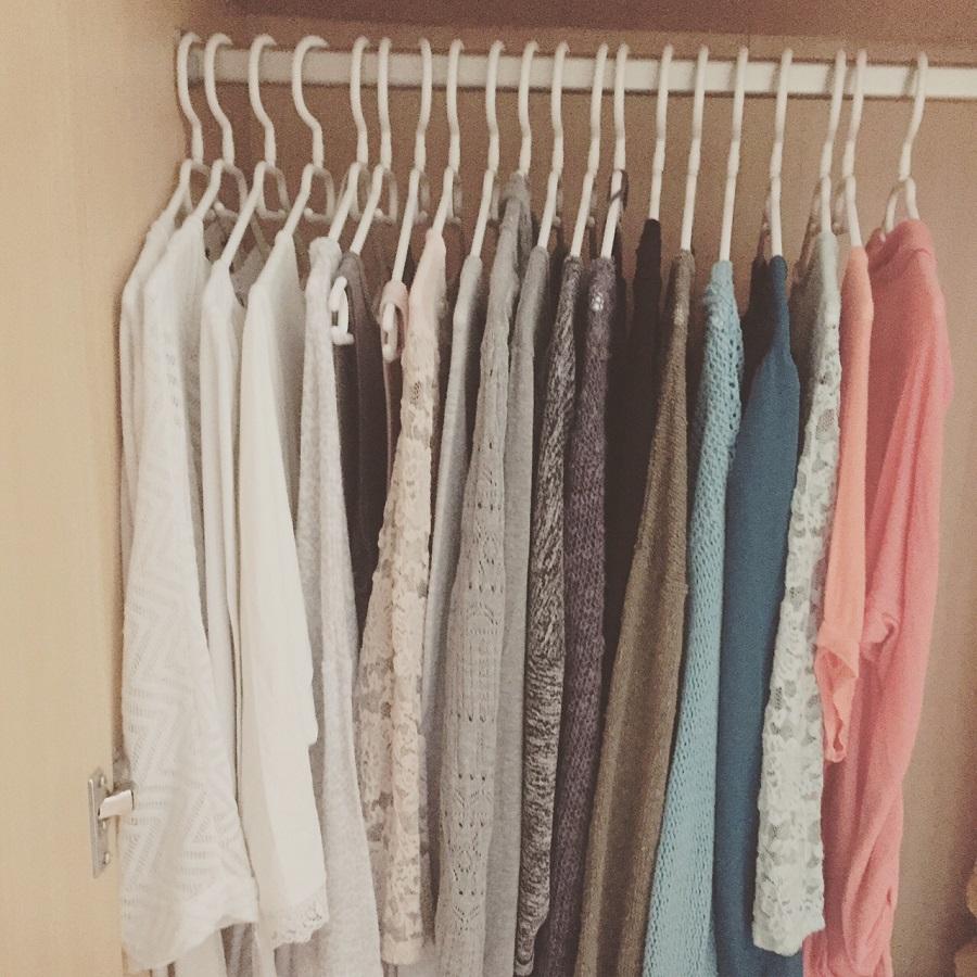 Capsule Wardrobe – der minimalistische Kleiderschrank