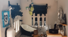 Elcheapo dollhouse bathroom – smashed!
