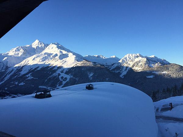 wintersport uitzicht vanuit appartement