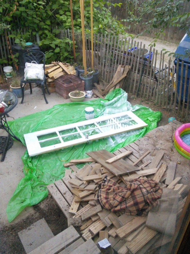 the old green door that used to be the patio door is not an all white interior door... that was a sad one to paint...