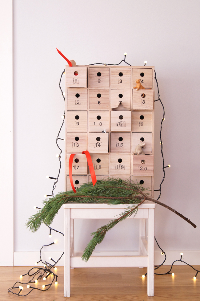 Mini Piccolini | Make a DIY Christmas Spirit Advent Calendar
