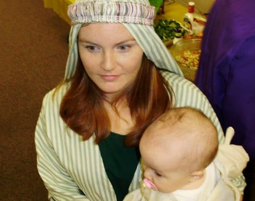 Bible-women-with-baby-costume