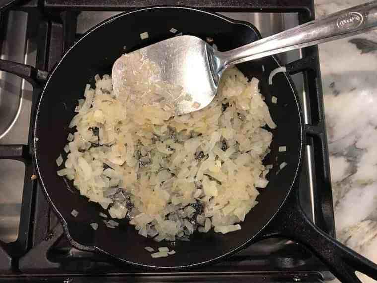 egg-bhurji-saute-onions