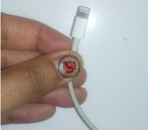 This-Cable-Not-Certified-iPhone-3.jpg