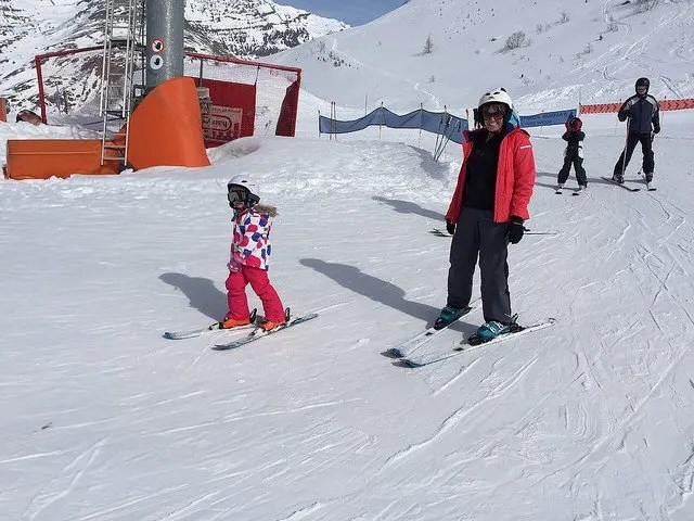 How the Kids Learned to Ski on a Mark Warner Holiday www.minitravellers.co.uk