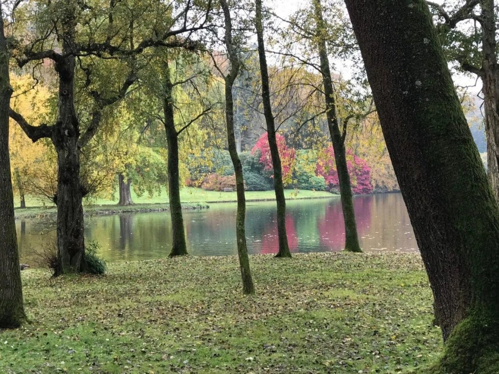 Lake at Stourhead, photograph by Devon Mama. Stourhead features in my guide of 100 amazing National Trust days out with kids - discover what else makes the list at www.minitravellers.co.uk