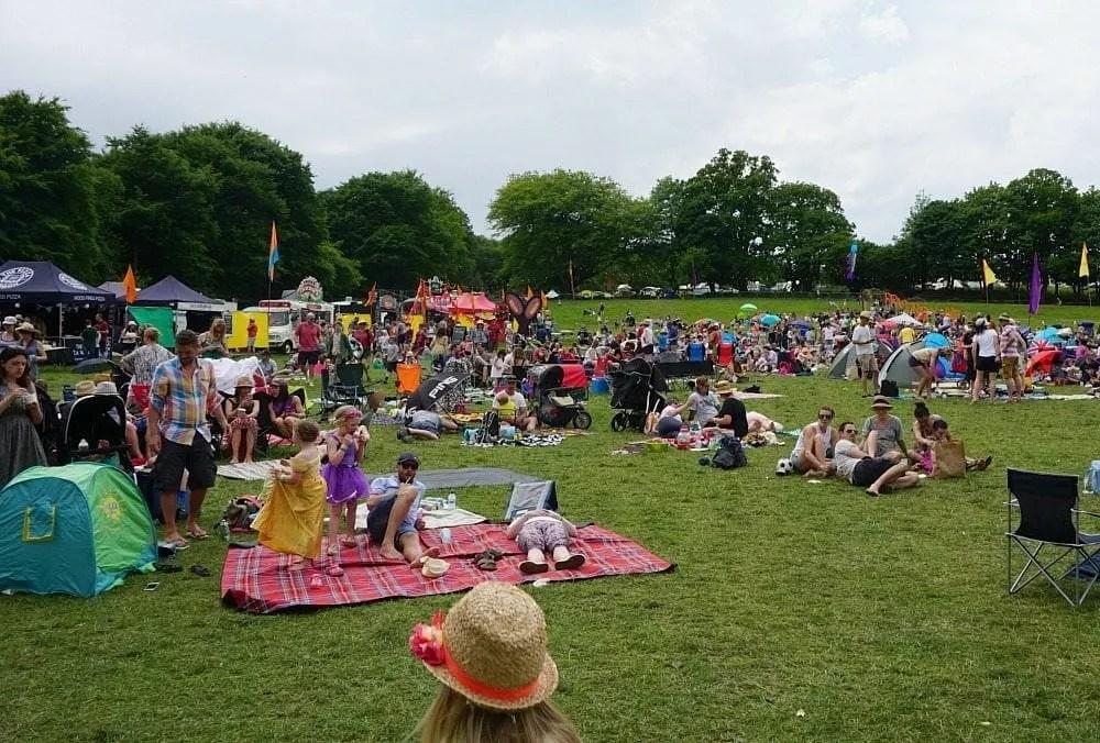 Elderflower fields festival www.minitravellers.co.uk