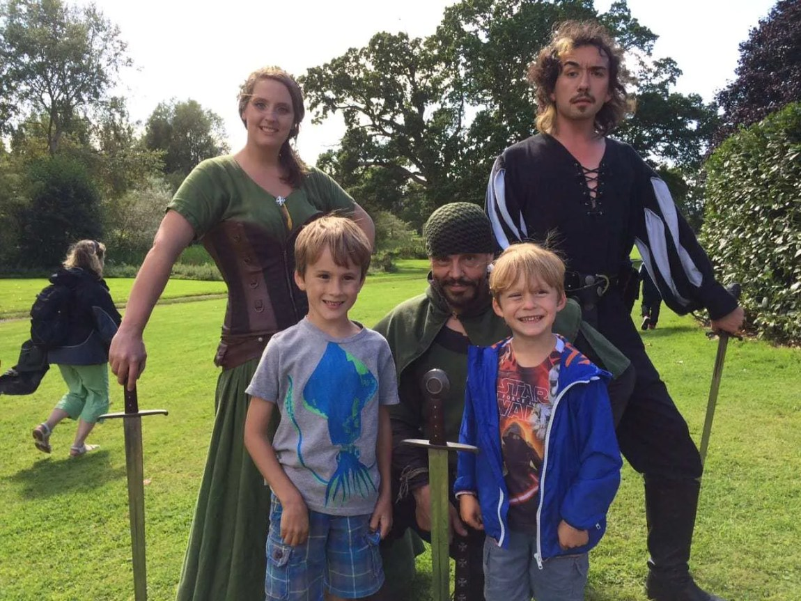 Powderham Castle – This Wealth of Robin Hood Fun Won't Tax You! www.minitravellers.co.uk