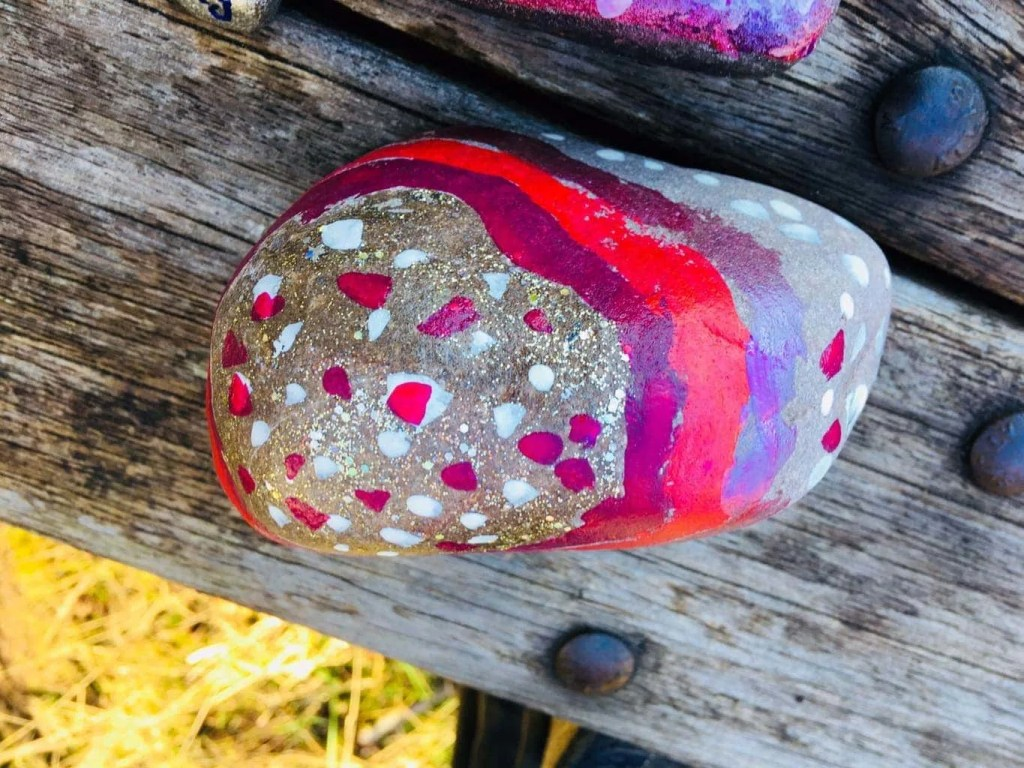 Kindness Rocks UK - Families Are Penning Positive Messages On Rocks And Hiding Them All Over The UK