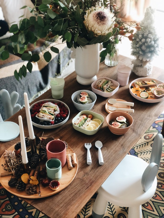 Around the Table: Keeping Kids Engaged During Meal Times