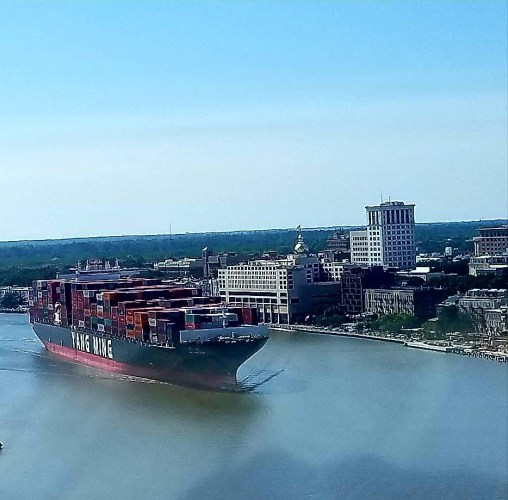7816 cargo ship near savannah2