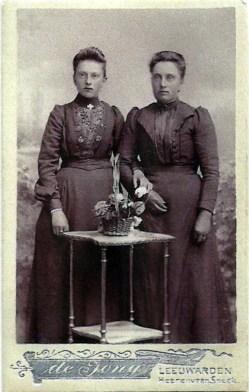 Jaantje (links) en Perkje