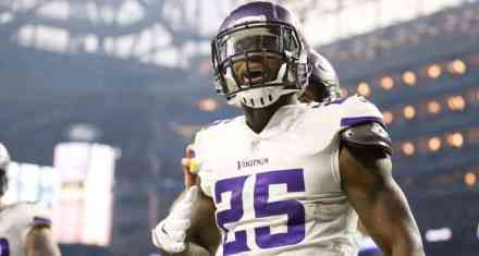 Expect Latavius Murray to Take a Pay-Cut (or Get Cut) by Friday