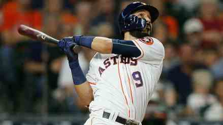 Twins Sign Marwin Gonzalez in Sneaky Big Time Deal
