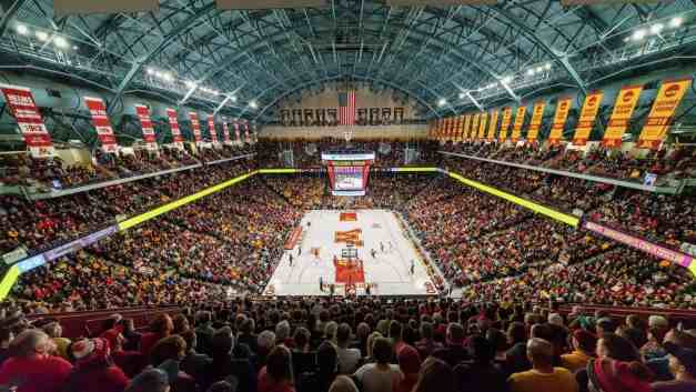 U of M Cuts Season Ticket Prices in Men's B-ball and Hockey Significantly