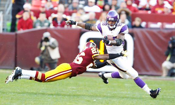 Photo - Adrian Peterson vs Washington Redskins, December 2011
