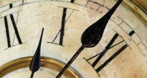 Clock_getting-late_C