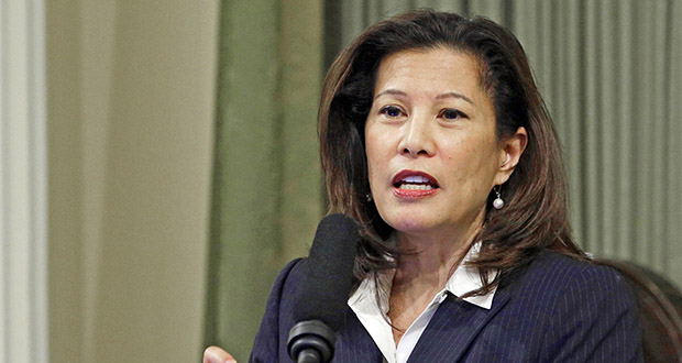 In this March 23, 2015 file photo, California Supreme Court Chief Justice Tani Cantil-Sakauye delivers her State of the Judiciary address before a joint session of the Legislature at the Capitol in Sacramento, Calif. (AP Photo/Rich Pedroncelli, File)