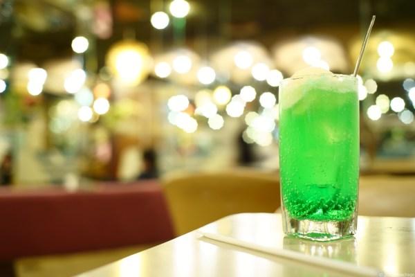 マヅラ喫茶店のクリームソーダ