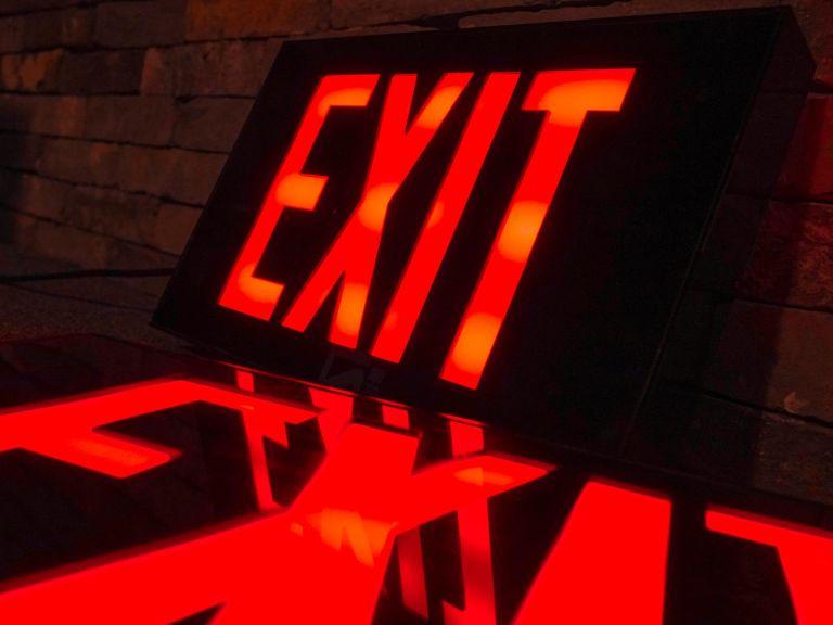 EXIT 박스형 아크릴 LED 사인