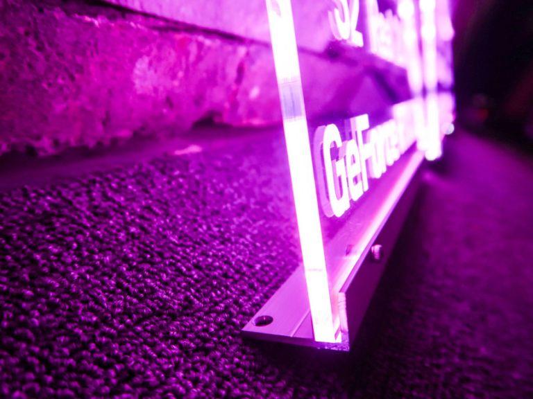 프리미엄존 벤큐존 PC방인테리어 아크릴LED간판 제작견적 아크릴간판 LED아크릴간판 아크릴네온사인 네온사인 명판 현판수정됨 PC방아크릴 피씨방아크릴 피씨방 vr존 헤드업존 vip 룸넘버 17