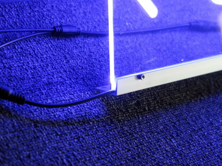 LED네온사인 LED아크릴간판 LED아크릴사인 붙이는조명,루프탑조명,무드등제작, 주문제작무드등 네온사인  PC방전용석 PC방지정석 벤큐존 FPS전용석