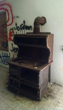 """This old stove was pretty awesome looking and also had grafiti next to it that said """"yo that is a dope stove!"""" next to it, which I thought was hilarious, because it was true! But, for whatever reason, I failed at getting a real photo of the stove and graffiti."""