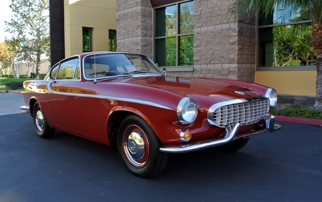 Volvo P1800S, The Saint