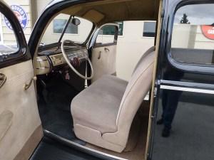 1940 Ford V-8 int 2