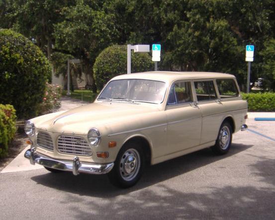 68 Volvo 122S Wagon