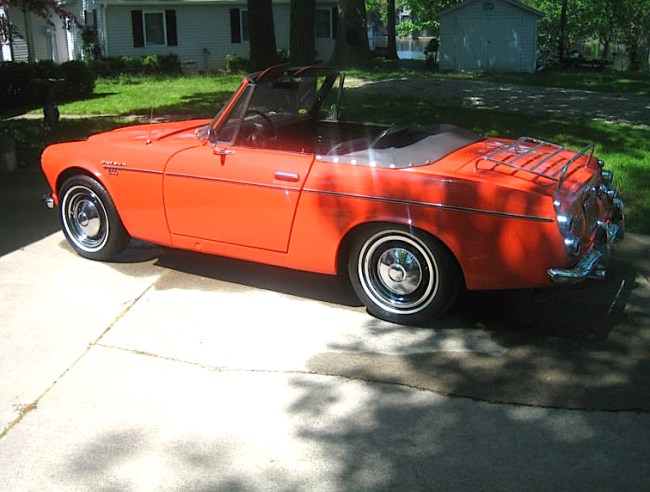 This will be maybe the 4th or 5th Datsun1600 Roadster we have featured on Mint. They were all pretty nice examples and the last one had a few needs and that was reflected in the price. But when we spotted this one, it spoke to us. This one appears to be a very original car although the seller doesn't elaborate.