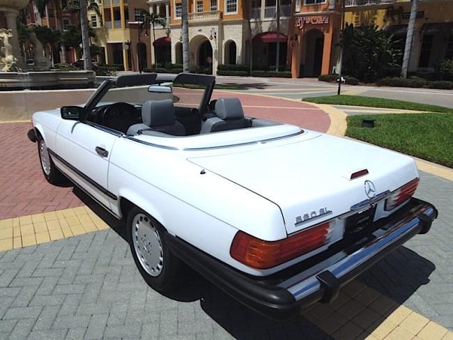89 Mercedes Benz 560SL