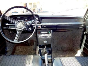 1971 BMW 2002 int