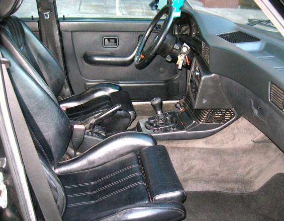 1988 BMW M5 E28 int